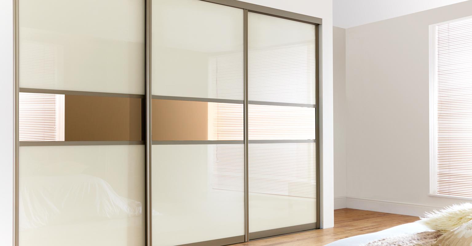 spintos. Black Bedroom Furniture Sets. Home Design Ideas